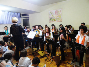cantaro lyre group in opening concert